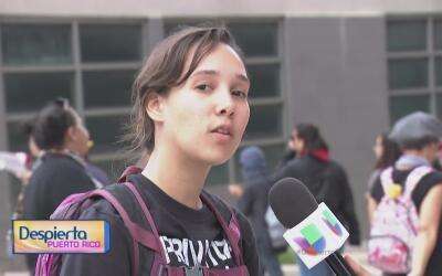 Estudiantes de la UPR se manifiestan en la Milla de Oro luego de que se...