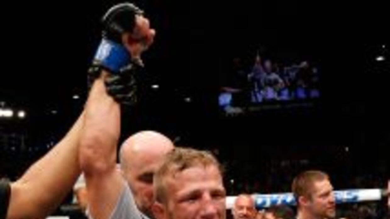 TJ Dillashaw es el nuevo campeón gallo del UFC.