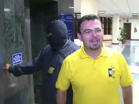 En el Salvador un sacerdote fue detenido por supuesto nexo con la Mara 1...