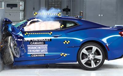 """El Chevrolet Camaro fue el único de los tres autos en calificar como """"bu..."""
