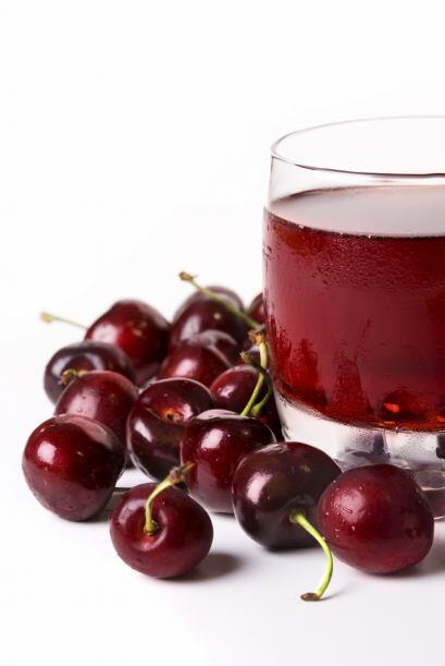 Si compras jugo, asegúrate de elegir un producto hecho con cereza...