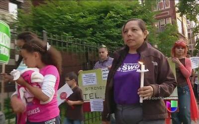 Activistas indocumentados protestaron frente a la casa de Obama en Chicago