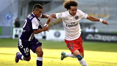 David Luiz refleja en esta acción las dificultades del club parisino.