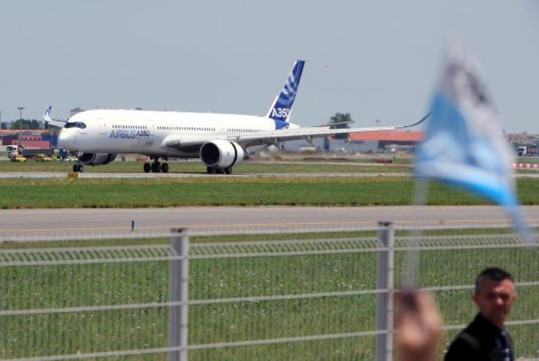 El precio de Boeing en sus modelos 787 oscila entre 206 y 243 millones d...