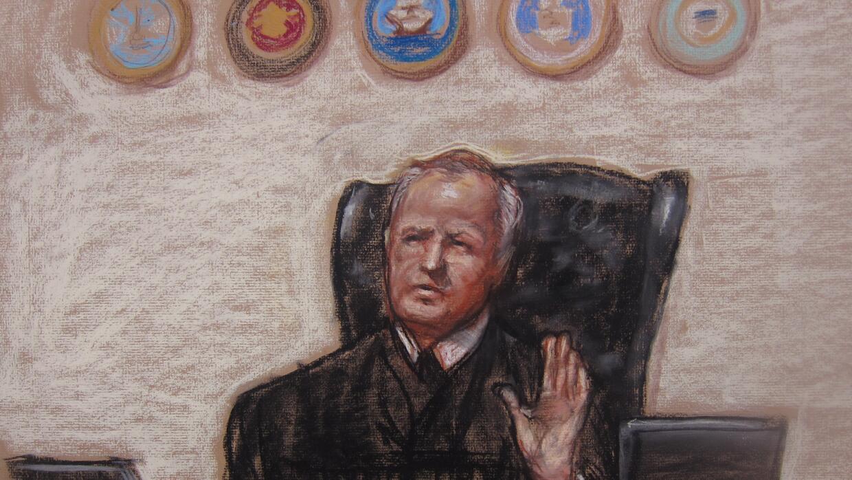 Ilustración del juez militar que lleva el caso