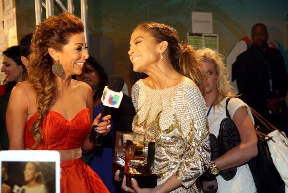 No cabe duda que la actriz y cantante se la pasó muy bien detr&aa...