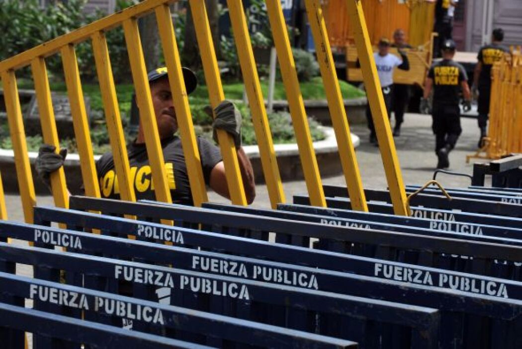 Los costarricenses están un poco sorprendidos de ver a policías armados...