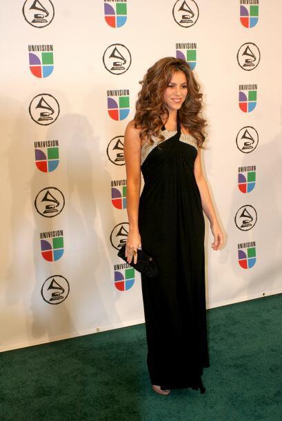Los colores preferidos de Shakira son muy obvios ¡el negro jam&aac...