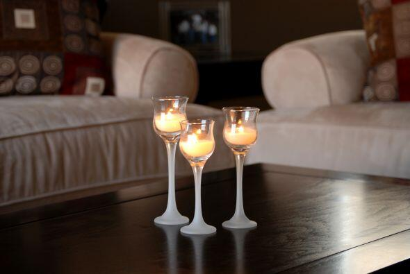 Decora, sin gastar de más. Las velas son el elemento decorativo más econ...