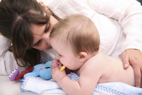 Ayúdalo a descubrirlo. Deja que tu bebé pase tiempo boca a...