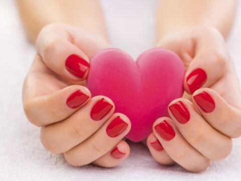 En San Valentín, todas queremos estar bellas de pies a cabeza. &i...
