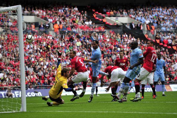 Hubo varias ocasiones de peligro en la primera parte, pero el gol lleg&o...