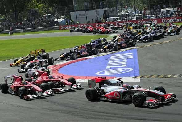 Alonso había ganado la 'pole position', pero James Button lo superó y to...