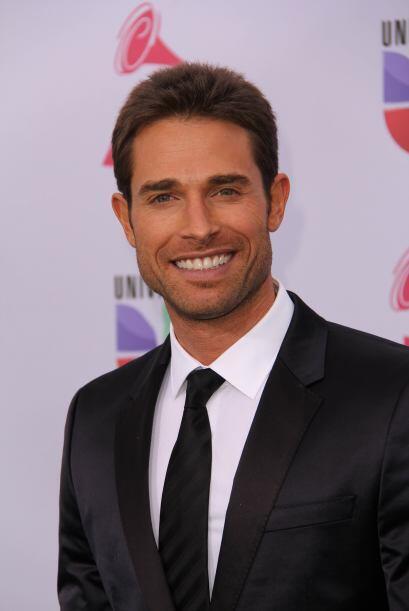 Sebastián Rulli es otro latino súper 'hot' que se apoder&o...