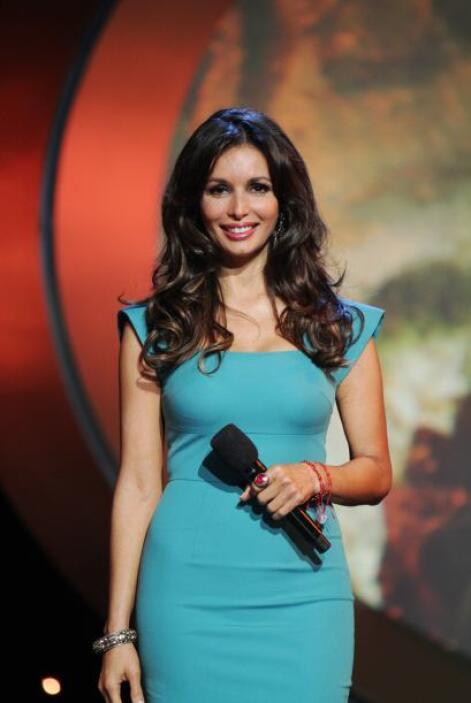 Giselle comenzó su carrera a los 14 años como actriz de telenovelas. su...