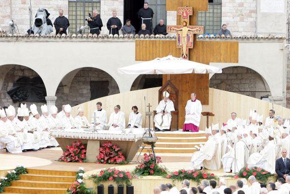 La peregrinación del primer papa proveniente del sur del mundo a la pequ...