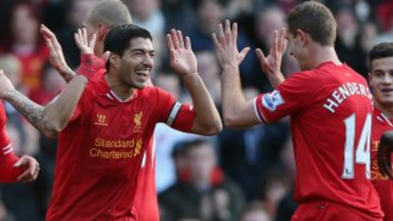 Luis Suárez sigue redondeando una buena temporada con el Liverpool.