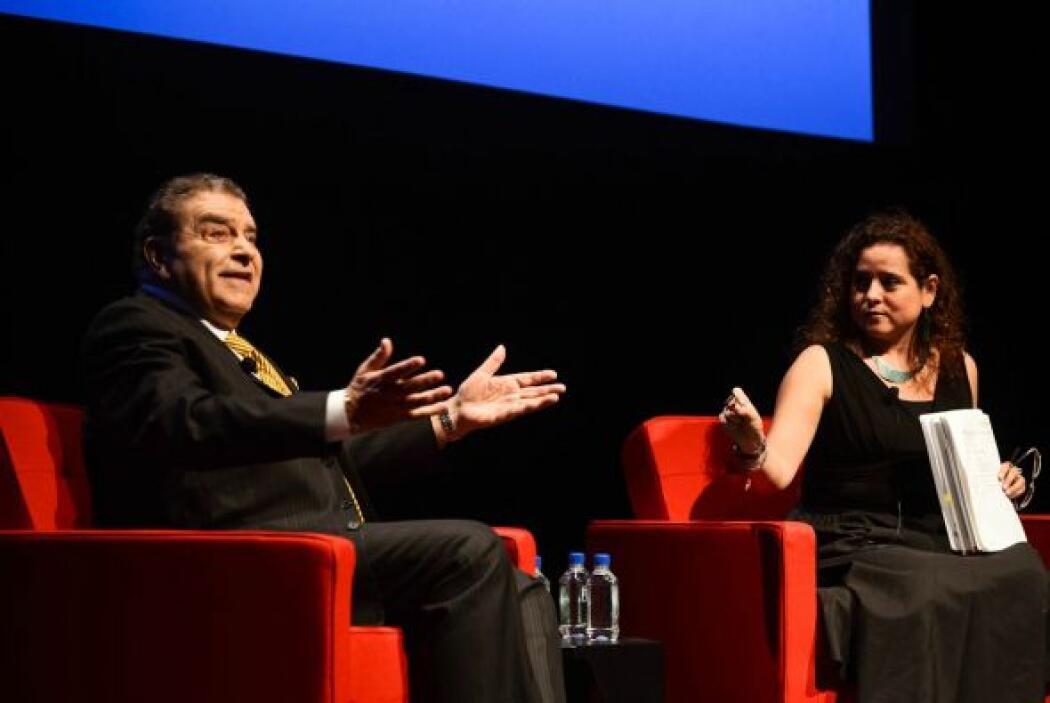 La moderadora del evento fue la periodista Laura Martínez