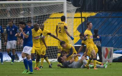 Moisés Muñoz y América festejan el segundo gol del América en la final d...
