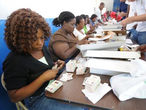 Los candidatos presidenciales de Haití cerraron sus campañ...