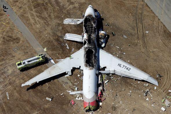 En Julio, un accidente aéreo sacudió San Francisco. Al menos dos pasajer...