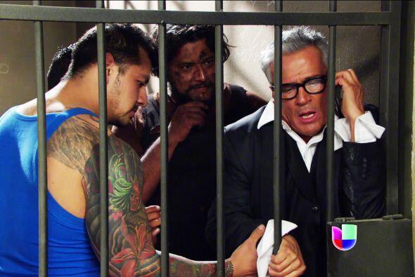 ¡Bruno, estás en la cárcel! ¿Pues qué hiciste? Por lo pronto, llámale a...