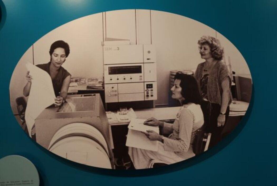 1981- El Consejo de Educación Superior de Puerto Rico aprueba el Grado A...