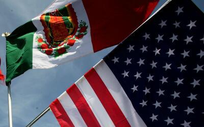 Representante del Consulado de México en Chicago explica cómo obtener la...