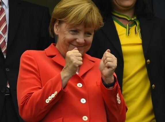 Y Angela se burla: ¡EN TU CARA! Todo sobre el Mundial de Brasil 2014.