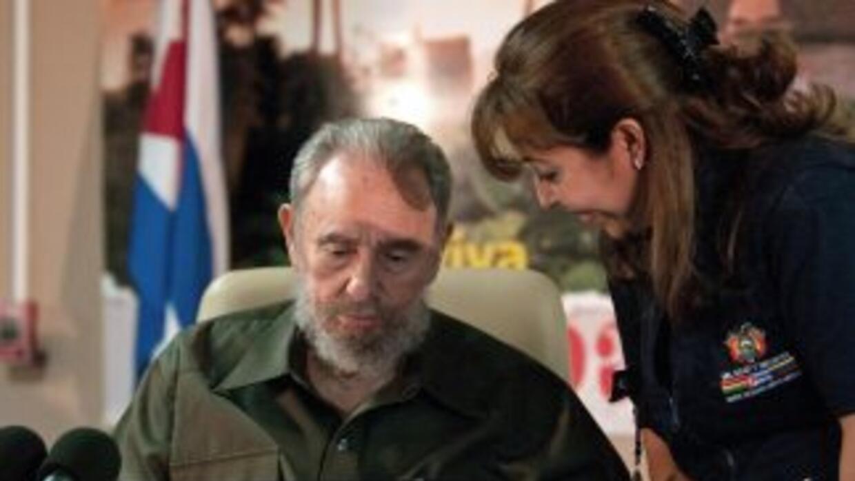 Fidel Castro dijo que EU está en jaque mate en reunión con periodistas c...