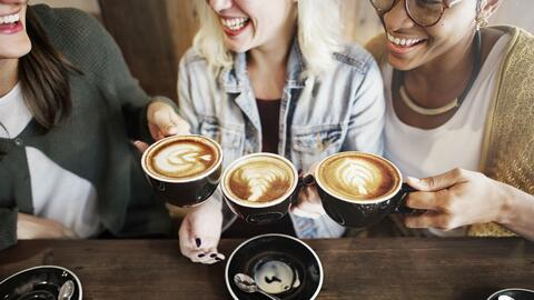 Conoce los beneficios de beber café y cuántas tazas puedes tomar al día