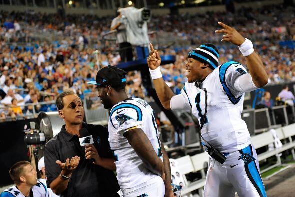 Brandon LaFell de los Carolina Panthers, estaba muy concentrado dando su...