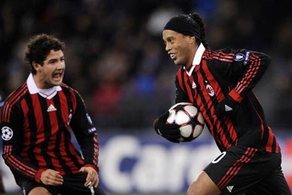 Un gol de Ronaldinho de penalti sirvió para empatar, y el punto l...