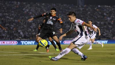 Monterrey consiguió una agónica victoria en casa frente a Pachuca