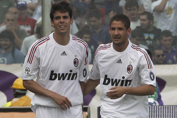En su lugar, el cuadro galo piensa en los servicios de Kaká y Ale...