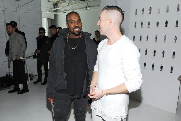 El rapero no aguantó las ganas de saludarlo, y se coló en el 'backstage'.