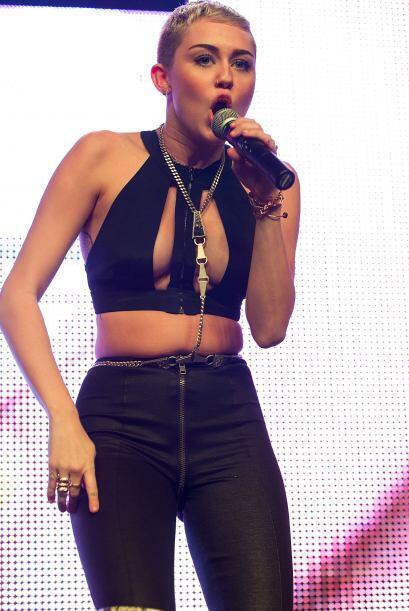 ¿Ya se habían percatado que Miley dejó de ser una niña desde hace mucho?...