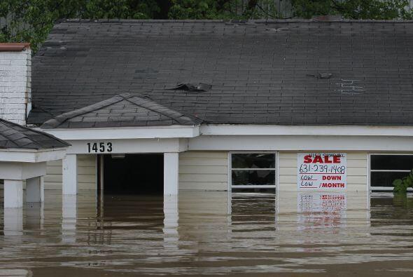 Algunas de las casas quedaron bajo el agua. Y hubo decenas de evacuados...