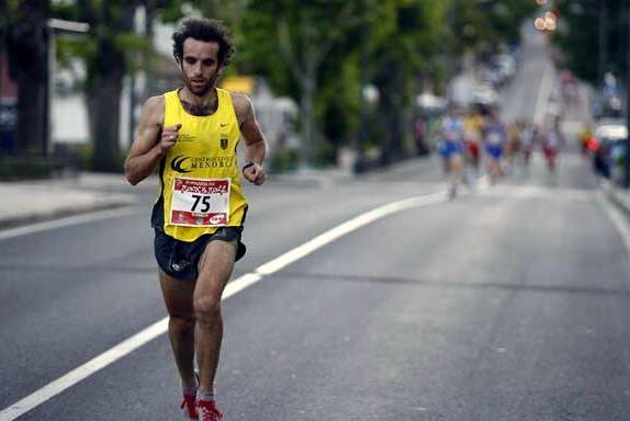Con 40 años de edad, el estelar corredor español Fabi&aacu...