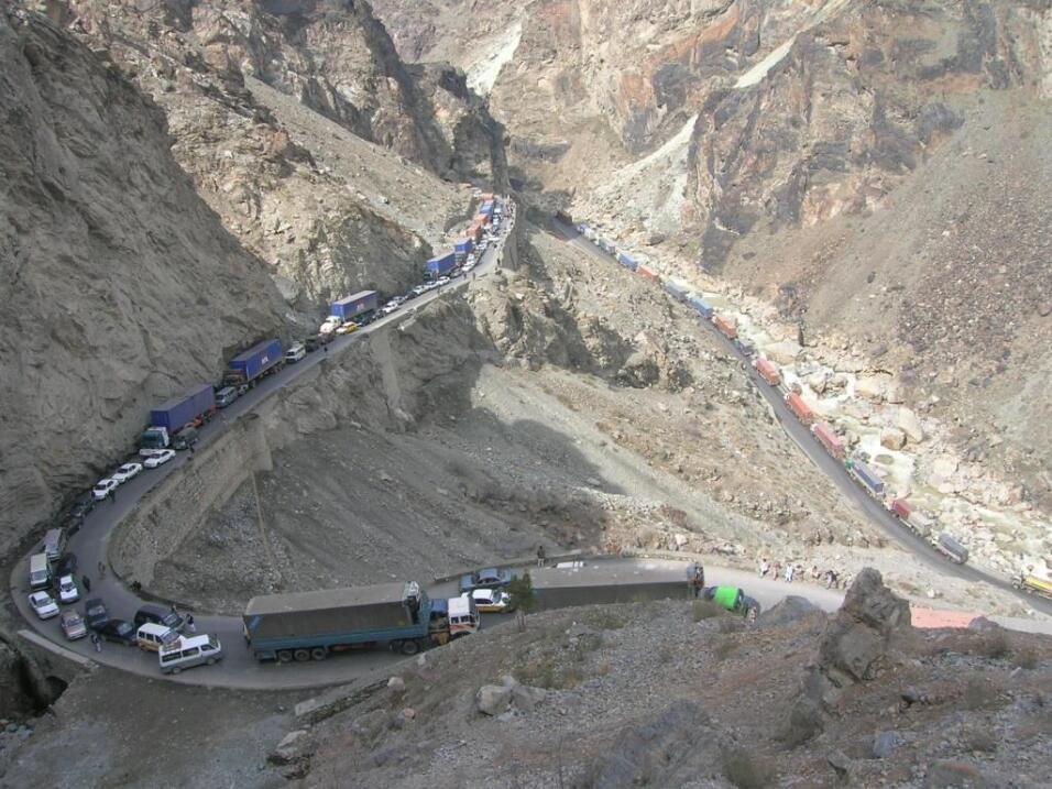 Las cinco carreteras más peligrosas del mundo Afghanistan at the place o...