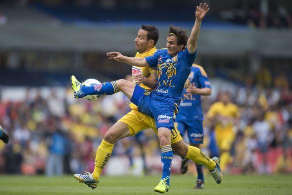 Anotó su gol al minuto 9 y colaboró con Paul Aguilar al 30, salió de cam...