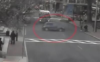 Este conductor ebrio al volante y su negligencia casi le cuesta la vida...