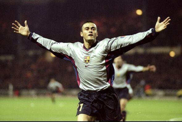 En 1997 el club blanco no renovó su contrato y el volante asturia...