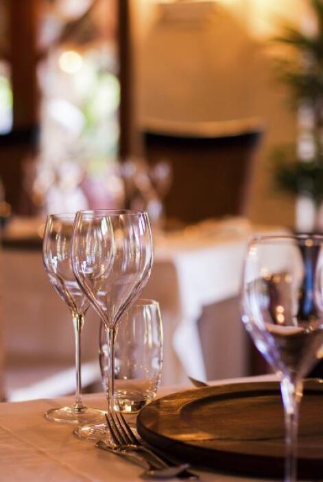 Podríamos ir también al restaurante SubliMotion, que abrirá en junio en...