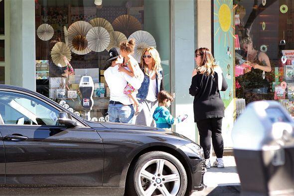 """Llegando al final de su """"shopping"""". Mira aquí los video..."""