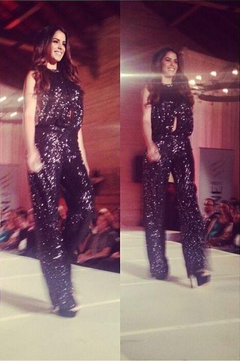 En el desfile de 'Dar está de moda', Vanessa de Roide lució este increíb...