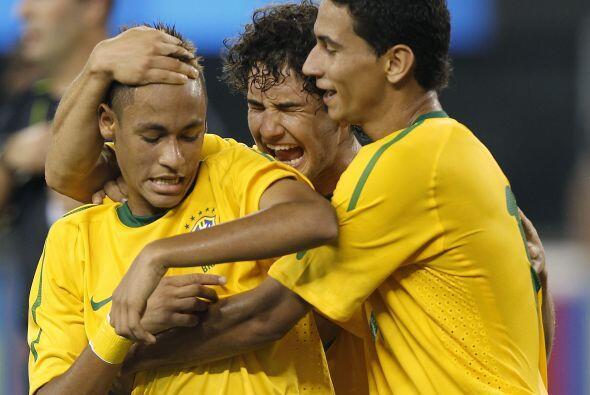 Idolo y con un futuro millonario, Neymar es sin duda la nueva joya del f...