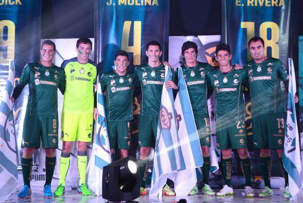 Santos Laguna también presentó su tercer uniforme para el...