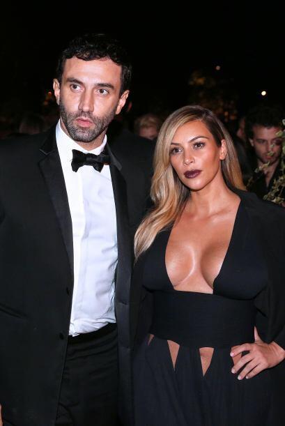 ¿Quién lo podría lucir mejor que Kim? Mira aquí lo último en chismes.