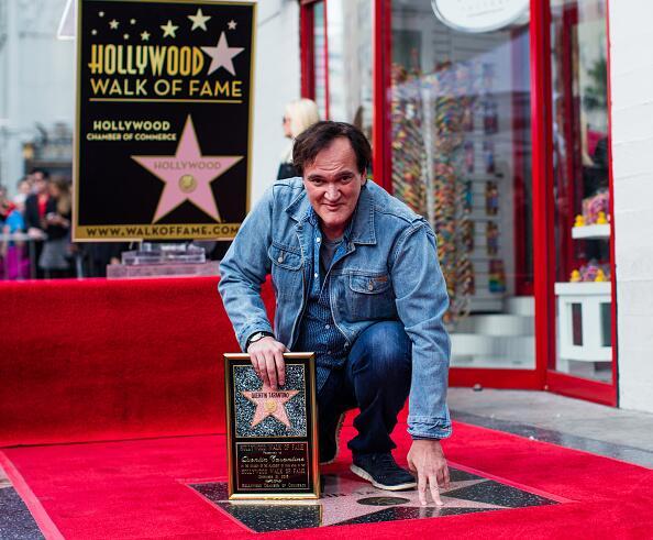 El cineasta Quentin Tarantino recibe su estrella en el Paseo de la Fama